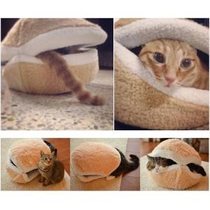 cats-love-hamburger-bed